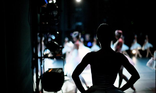 For audio flexibility and audience experience, outdoor theatre and ballet productions often use wireless event headphones to deliver their soundtracks to open-air auditoriums.